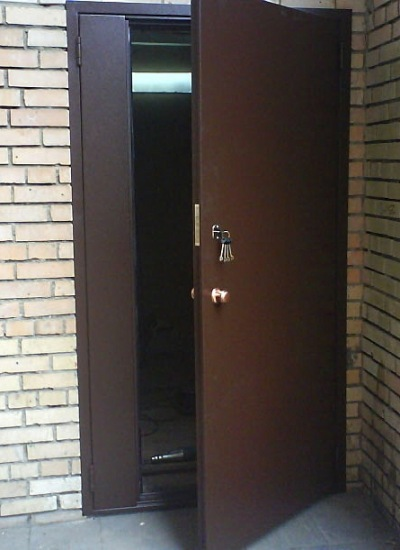 двери входные в подъезд изготовление